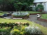 母校の中庭.jpg
